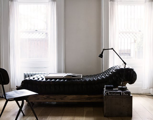 Fancy - Button Tufted Leather Day Bed