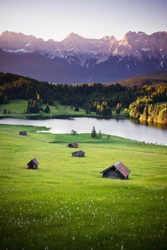 Mountain Lake, Bavaria, Germany | Sunsurfer