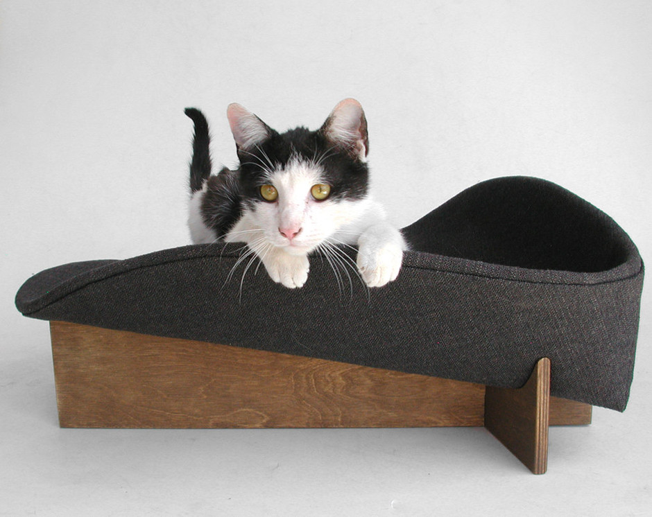 Midcentury mod cat bed in black chunky weave by likekittysville