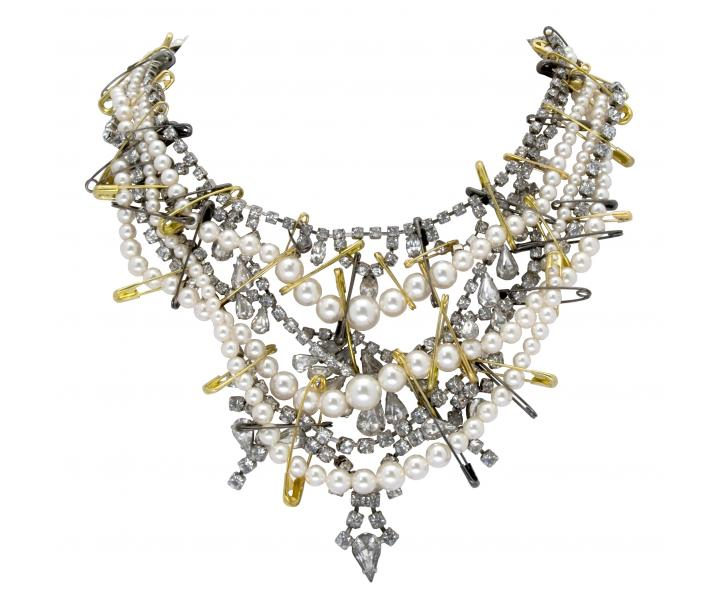 WHITE CRYSTAL AND PEARL NECKLACE WITH TWO TONE SAFETY PINS - Tom Binns