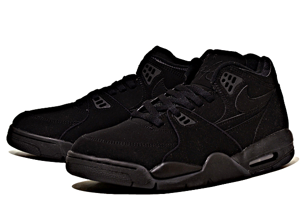 Google 画像検索結果: http://www.sneakers-actus.fr/wp-content/uploads/2012/08/nike-air-flight-89-black-out-4.jpg