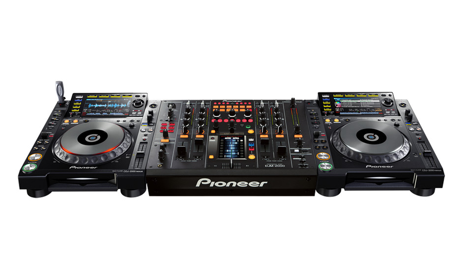 First sneak peak at the Pioneer CDJ-2000 Nexus with Traktor advanced HID integration