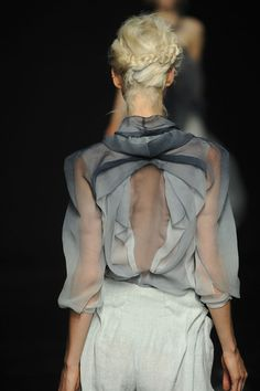 Yiqing Yin at Couture Fall 2012   Dress assignment