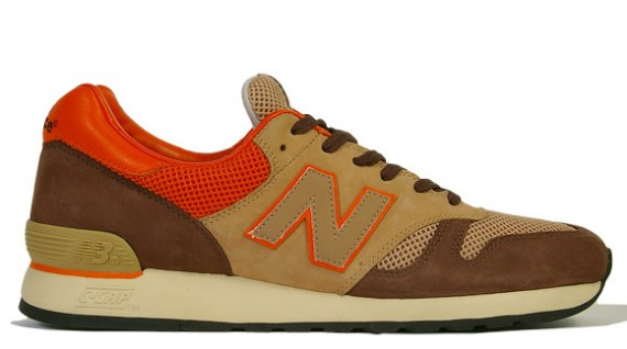 round about: New Balance CM670 x Hectic x Stussy