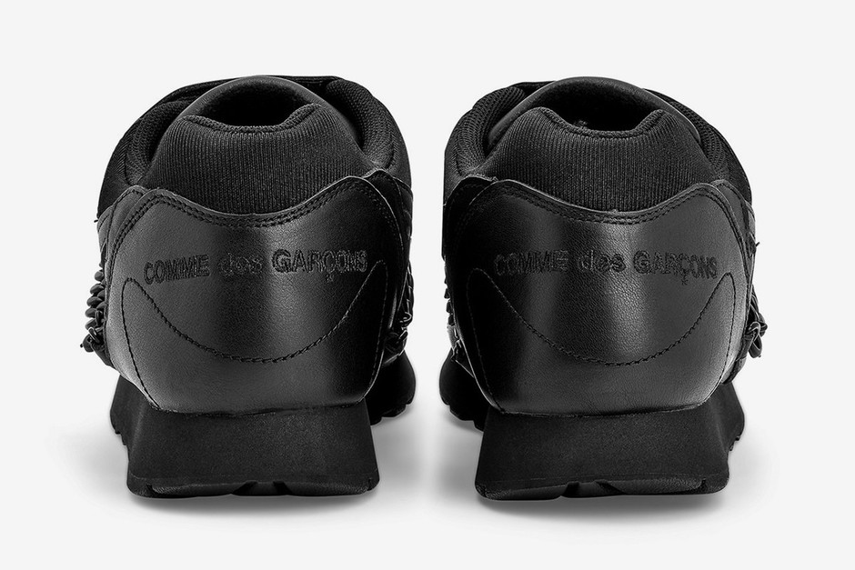 comme-des-garcons-nike-outburst-release-date-price-03.jpg (WEBP 画像, 1199x800 px)
