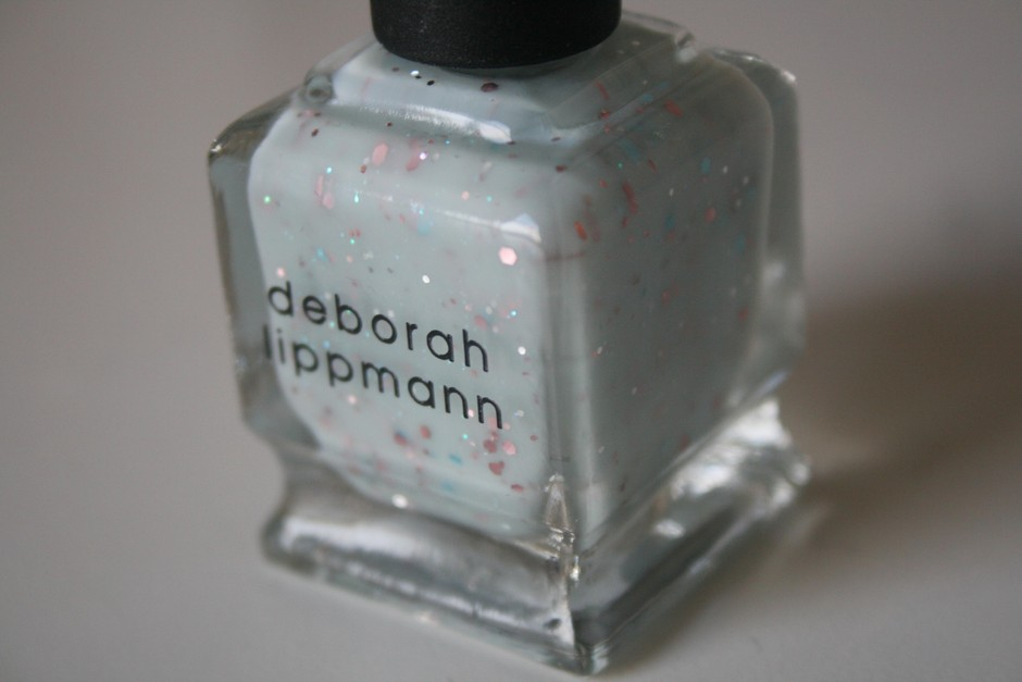 Between peace and happiness: Deborah Lippmann polish in 'Glitter in the air'