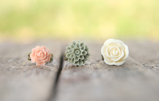 Ivory, Moss, Pale Pink-Peach Adjustable Flower Ring Set Perfect For Bridesmaid Gifts - Dreamsicle | Luulla