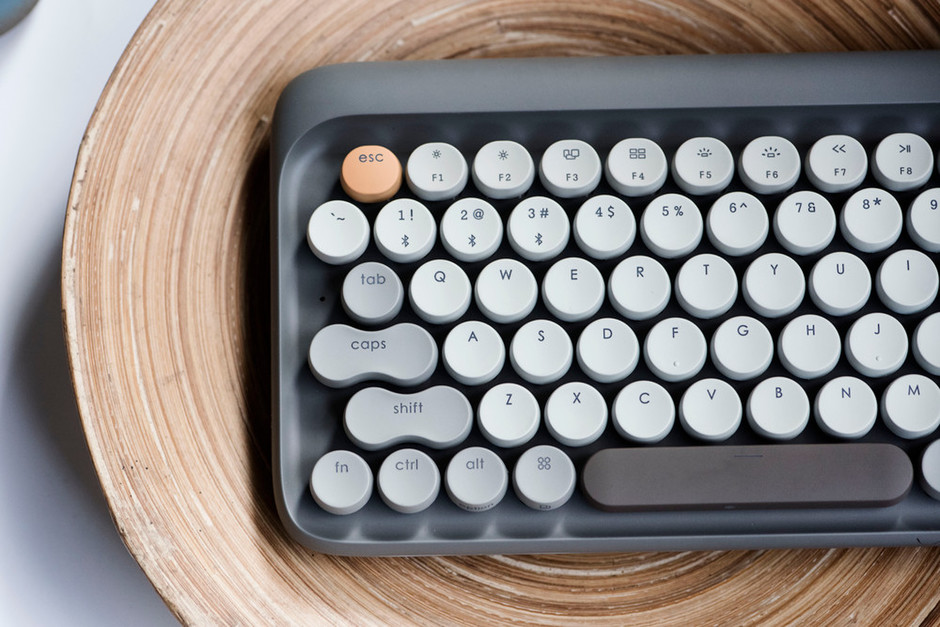 Lofree | Four Seasons Retro Mechanical Keyboard – Lofree | Nostalgic Wireless Keyboards & Speakers