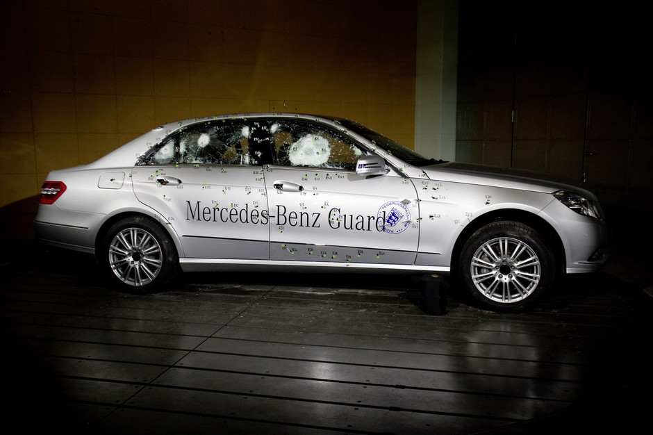 Google Image Result for http://mercedesbenzblogphotodb.files.wordpress.com/2009/09/the-brand-new-mercedes-benz-e-guard-3.jpg