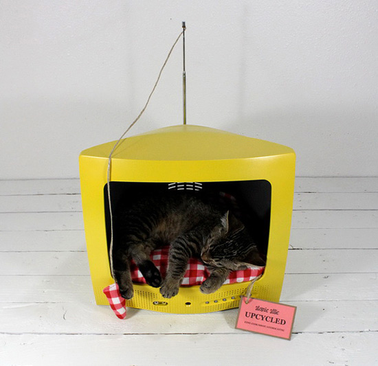 Upcycling for Felines 101 – AtomicAttic's Vintage Cat Houses | Modern Octopus