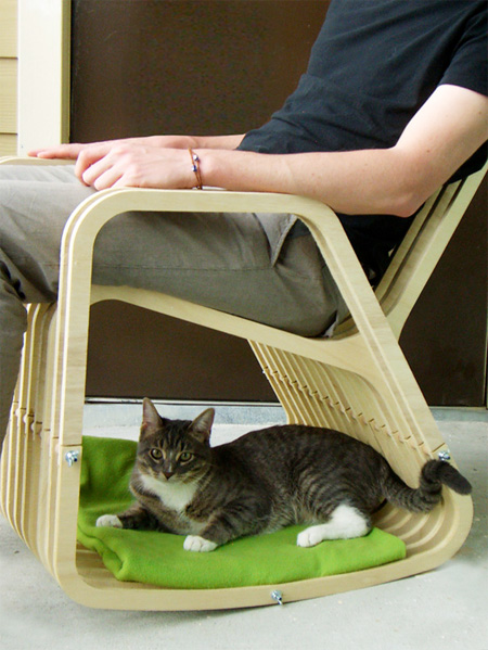 Rocking Chair for Pet Owners