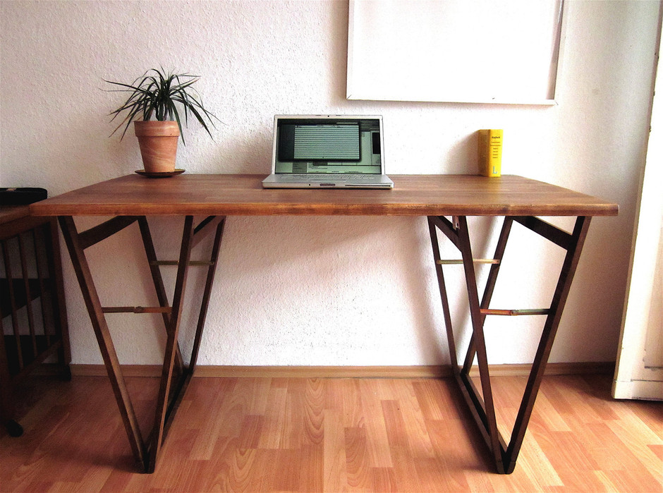 LAPTOP DESK Nr 4 Beautiful Solid Beach Table by Hardmandasein