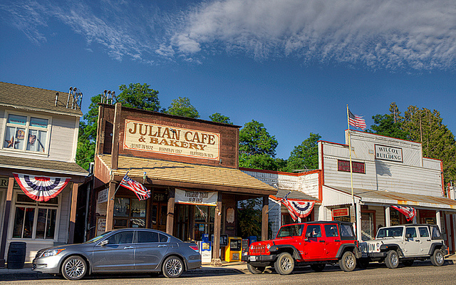 Julian Cafe's famous apple pie | Flickr - Photo Sharing!