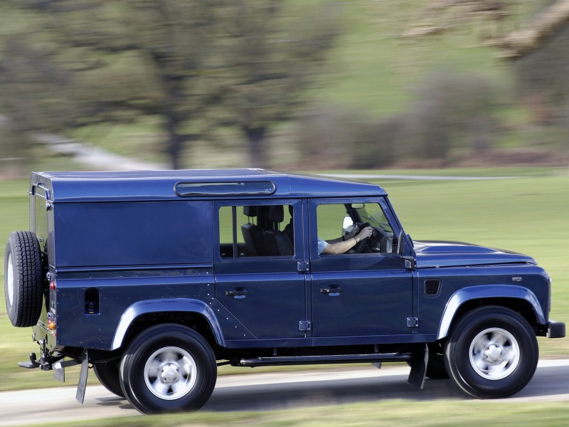 2009_Land_Rover_Defender_110_Utility_Wagon_-_UK_version_001_0069.jpg 2,048×1,536 ピクセル
