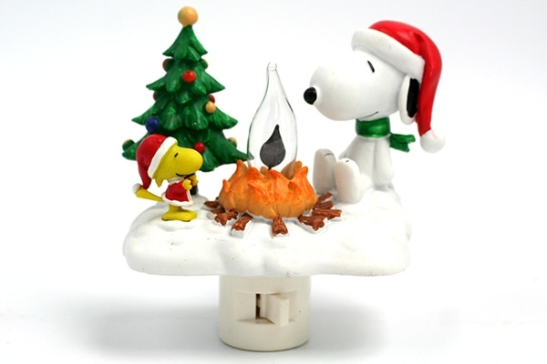 Snoopy Christmas Campfire - Flickering Night Light