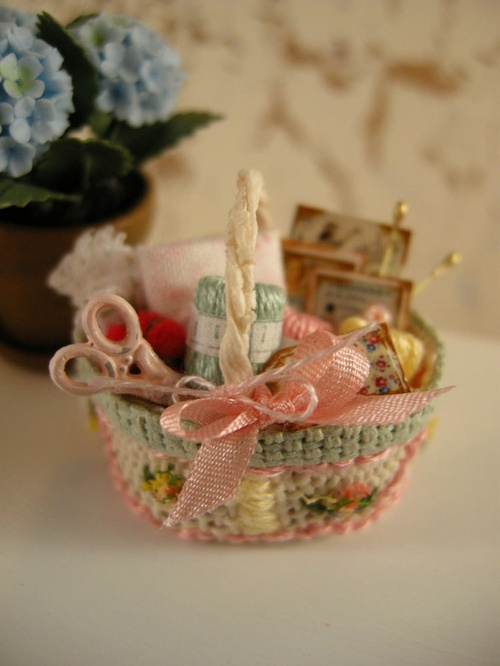 Wee Little Things / Dollhouse miniature sewing basket | We Heart It