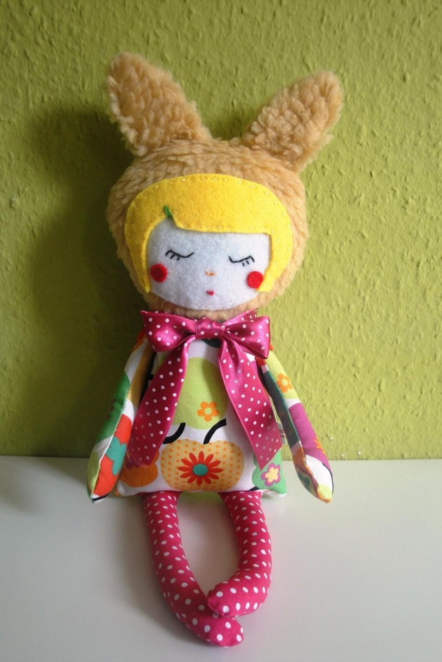 Miss Lapina The Bunny Girl In A Apple Dress   Luulla