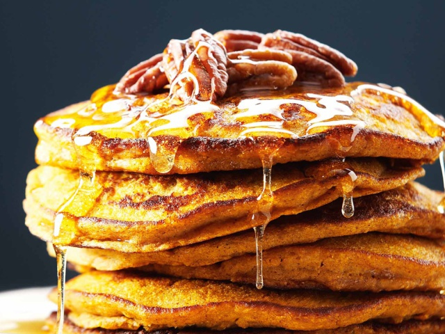 Pancakes with honey wallpapers and images - download wallpapers, pictures, photos