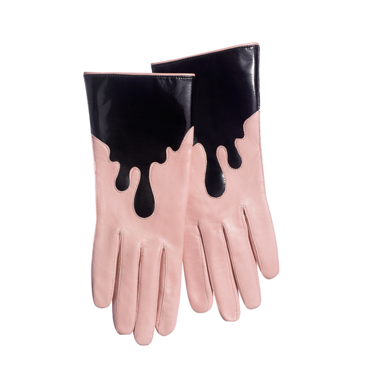 Drip Gloves Powder-Black | Minna Parikka