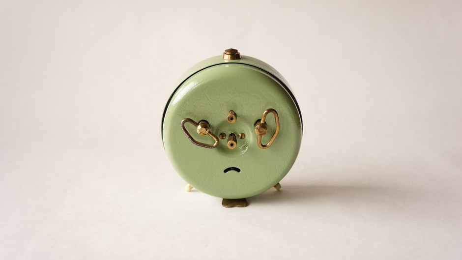 JAZ / Alarm clock /Green Crackled Finish / France 1941~1967 / higurashi