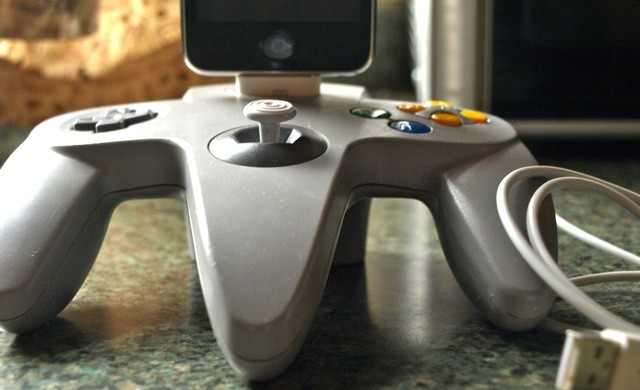 Nintendo 64 iPhone/iPod/iTouch Dock 4S Compatible by GeekUnique