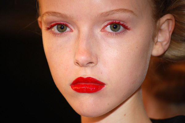 Colored Mascara- How to Wear Red Mascara
