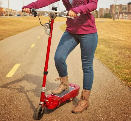 Daymak Photon: A Solar Powered Electric Scooter