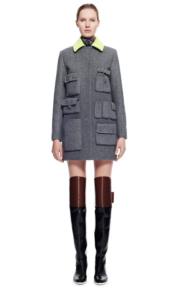 Single Breasted Car Coat With Cargo Pockets And Citrine Collar by Alexander Wang - Moda Operandi