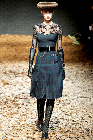 """London Fashion Week: Fall 2012 RTW """"McQ""""   I Should Have Been A Blogger"""