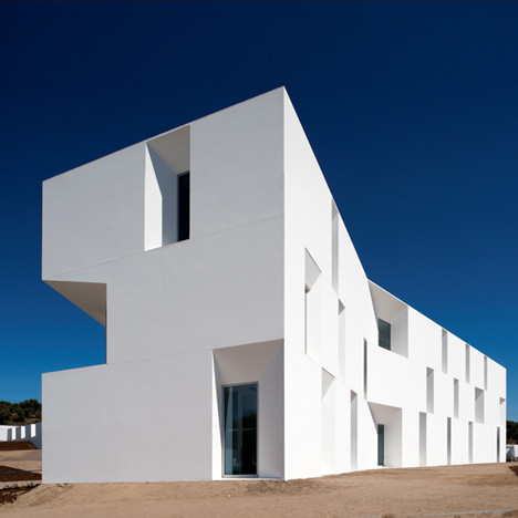 squared+: House in Alcácer do Sal, Portugal