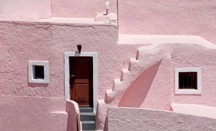 6 AMAZING PLACES TO TRAVEL & SEE PINK | The Love Assembly