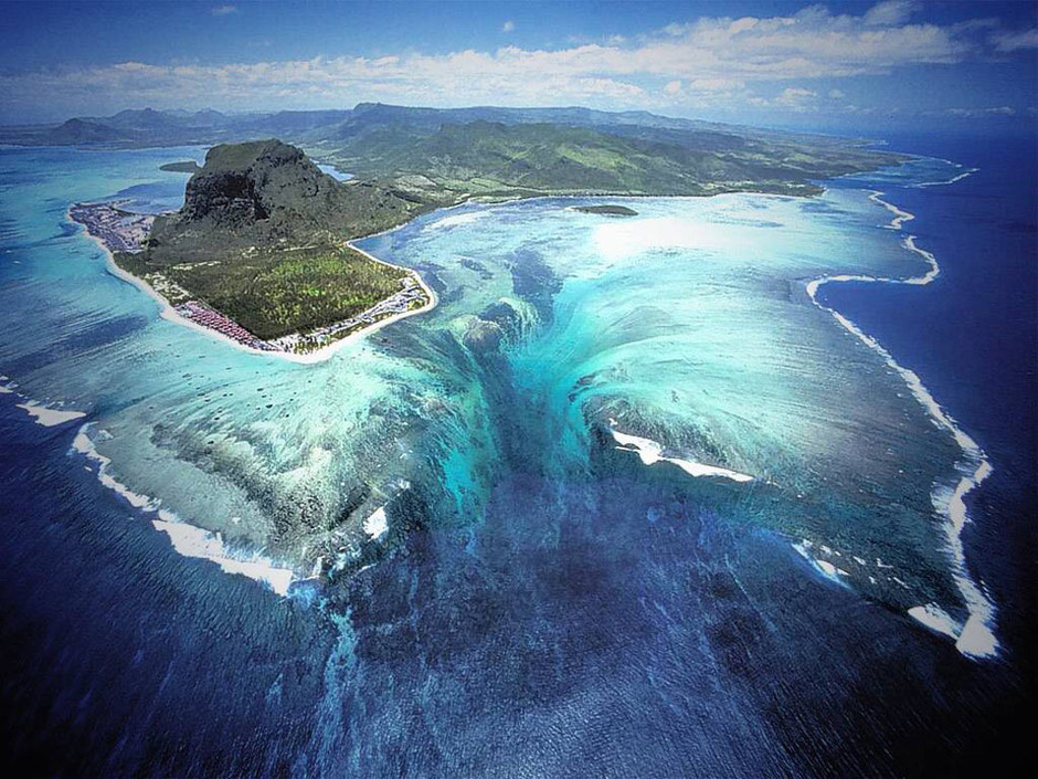 Ocean Trench Near Mauritius Wallpaper - Free Background 1040x780 50003