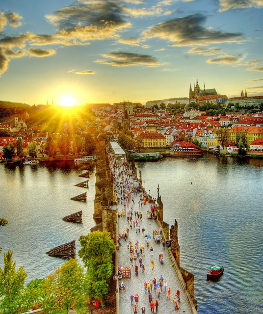 Guided Tours of Prague | Prague Castle and Charles Bridge Tour