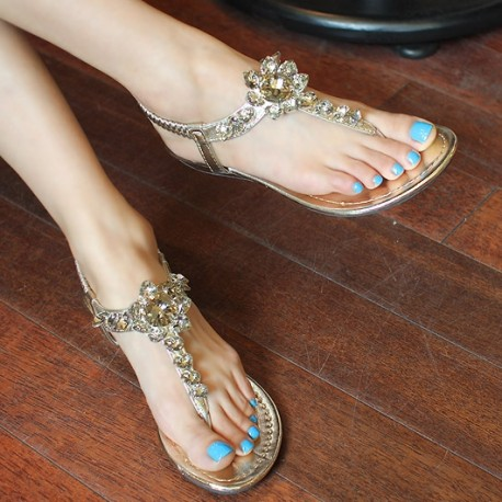 Flat shoes on asian woman — pic 12