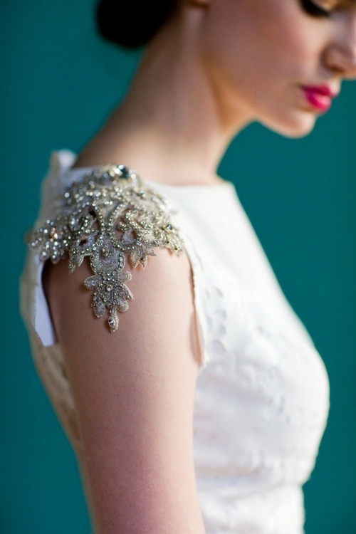 fashionviking: Gold embroidered lace sleeves -... - f a s h i o n