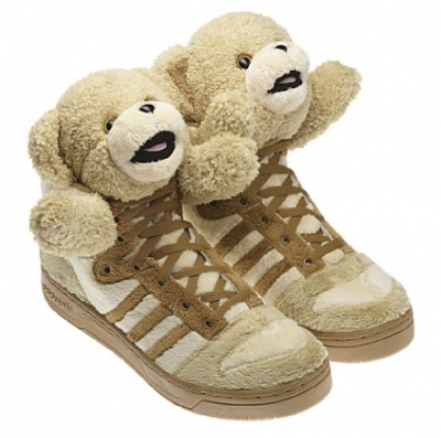 adidas-jeremy-scott-js-bear-brown-2.jpg 550×479 ピクセル