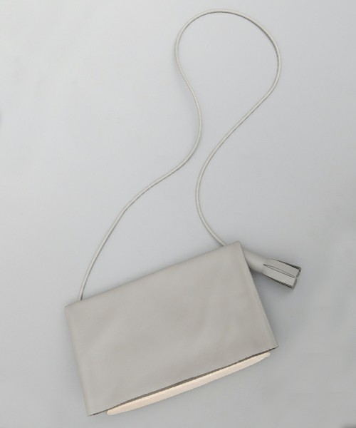 【BUILDING BLOCK】 FOLD MESSENGER in Concrete / GRAY LEATHER SHOLDER BAG(ショルダーバッグ)|Building Block(ビルディングブロック)のファッション通販 - ZOZOTOWN