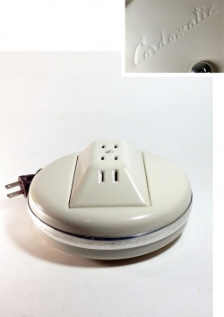 """1950-60's """"Cordomatic"""" 4-Outlet Cord Reel - FUNNY SUPPLY"""