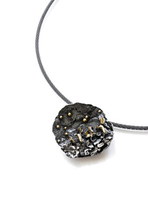 Enchanted Moment Necklace - Black & Gold