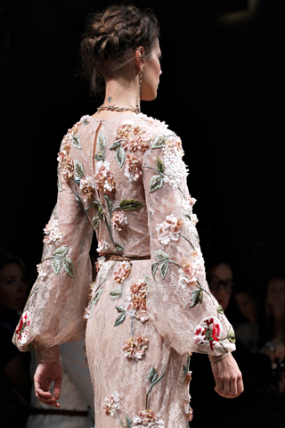 Valentino Spring 2012 Ready-to-Wear Details Slideshow on Style.com