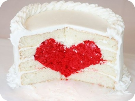 Guest Post from Amanda of i am baker – How to Make Heart Cake | Sweetopia