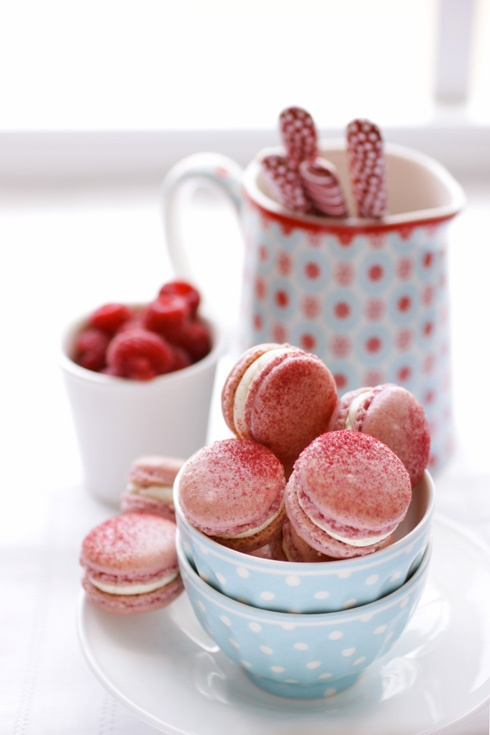 food / Raspberry and Pink Peppercorn Macarons :: Cannelle et Vanille