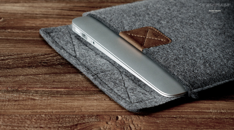 """hard graft / Premium Leather Bags, Wool Felt Laptop Sleeves, iPad Cases and iPhone Cases / Handcrafted in Italy and Austria / XII MACBOOK AIR 11"""" SLEEVE / ORIGINAL"""