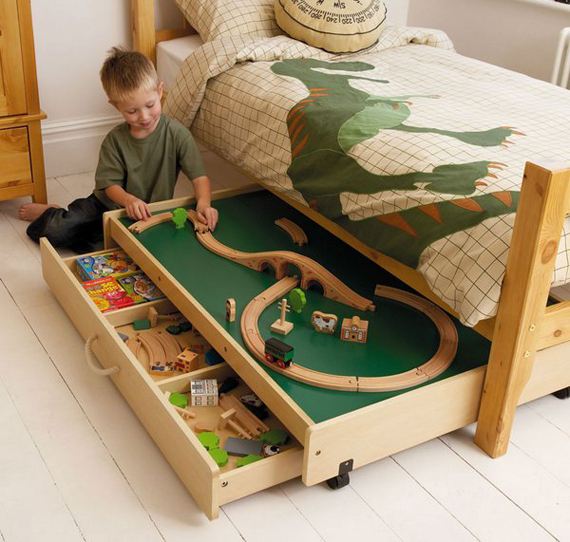 Under-the-Bed Train Table | Kid Crave