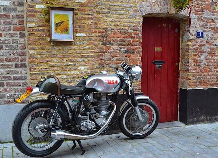 RocketGarage Cafe Racer: BSA