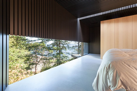 Tula House by Patkau Architects cantilevers over a remote cliff