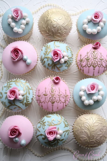 Shabby Chic Romantic Royal Birthday Party ideas / Cupcakes « Cotton and Crumbs