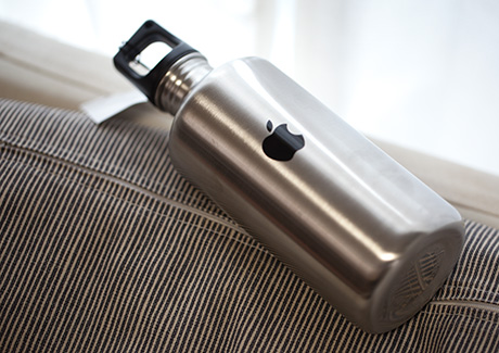 mono-logue: Apple Water Bottle