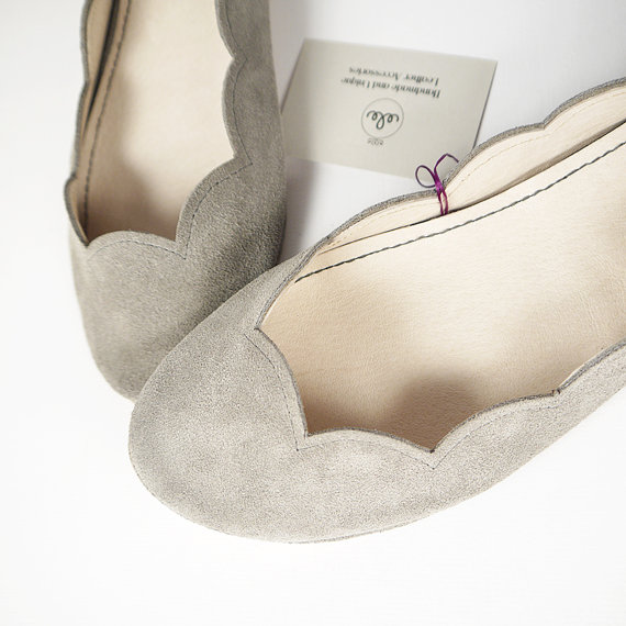 Gray Soft Suede Scalloped Handmade Ballet Flats by elehandmade