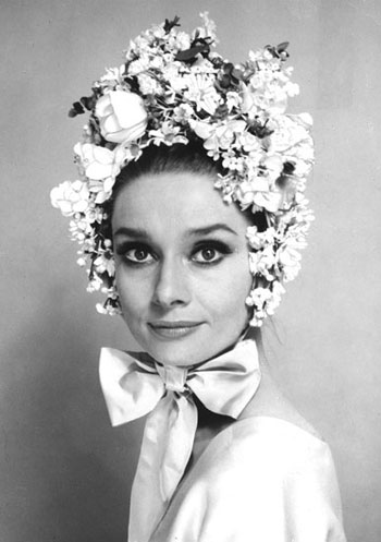 Audrey-in-a-Flower-Hat-c.-Howell-Conant-.jpg (JPEG 画像, 350x497 px)